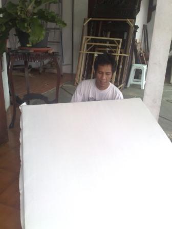 08. Beresss... kanvas terpasang, siap dilukis