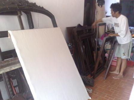 14. Siapkan bingkai untuk lukisan yang lain
